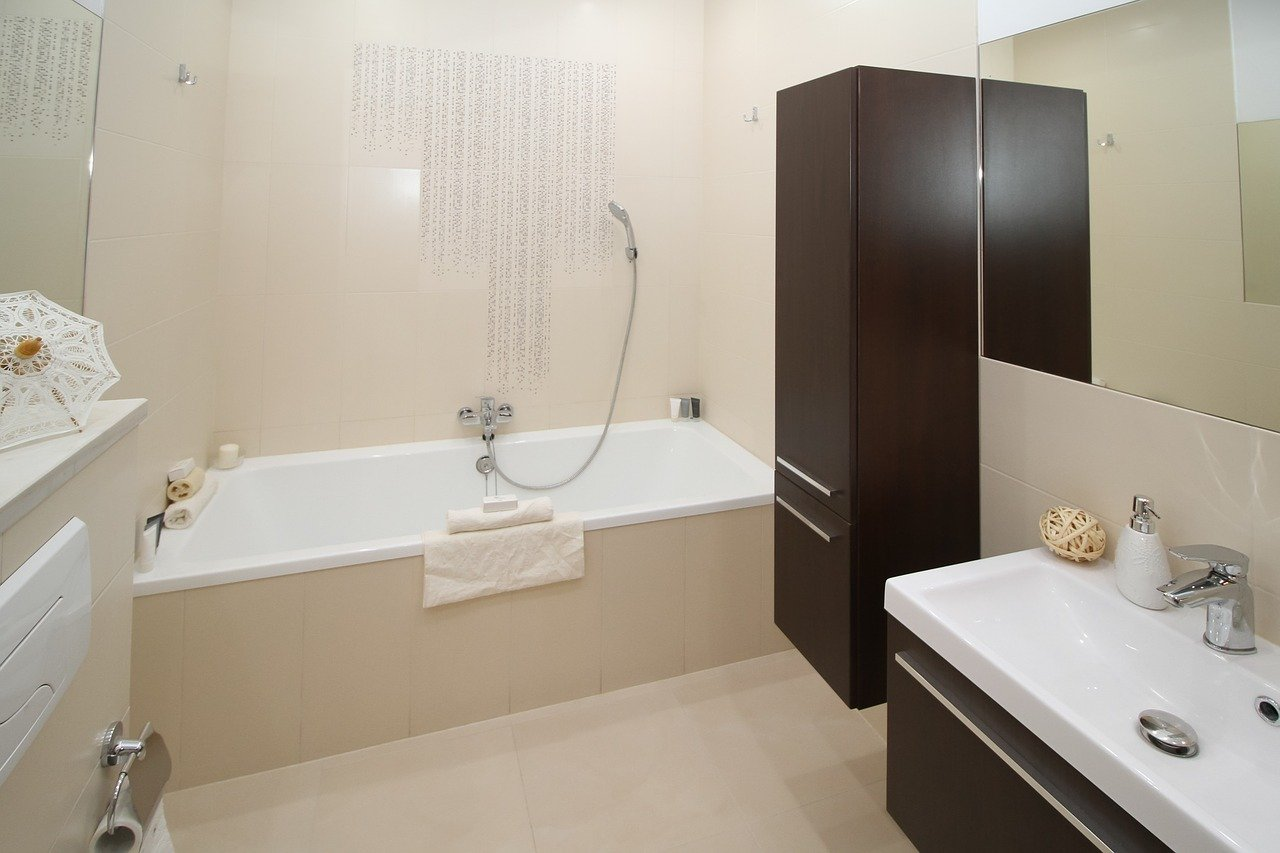 Salle de bains : comment allier confort et décoration ?